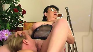 Chubby mature chick teasing a hung security to get his fresh throbbing cock