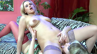 Lusty lesbian babe getting to hot games with pussy-licking and fingering