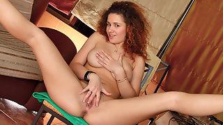 Flirtatious brunette, Nadiya