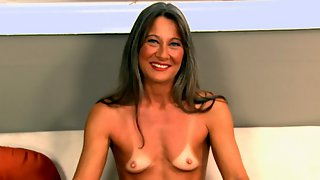 Leilani Tells All and Shows All!
