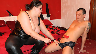 Kinky mature mistress fucking and sucking