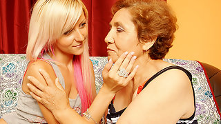 Hot blonde babe doing her older lesbian lover
