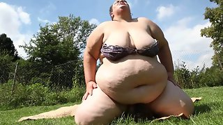 Super BBW ass in facesitting action
