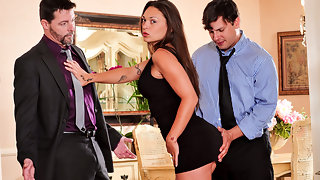 Seduced By The Bosss Wife #04