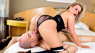Lusty T-Girl Plows Muscle Stud