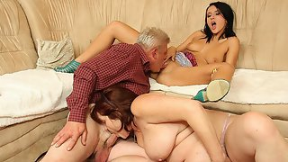 His hot girlfriend rides his dad