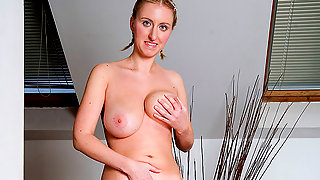 Big titted girl showing off