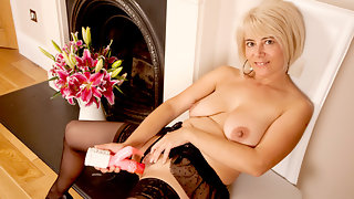 Mature Blonde With Big Nipples Solo Forplay