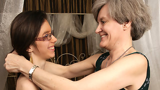 Horny old and young lesbians go at it