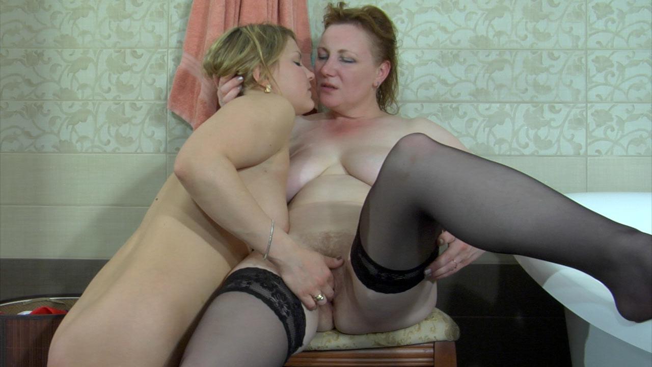 В возрасте русские лезби порно